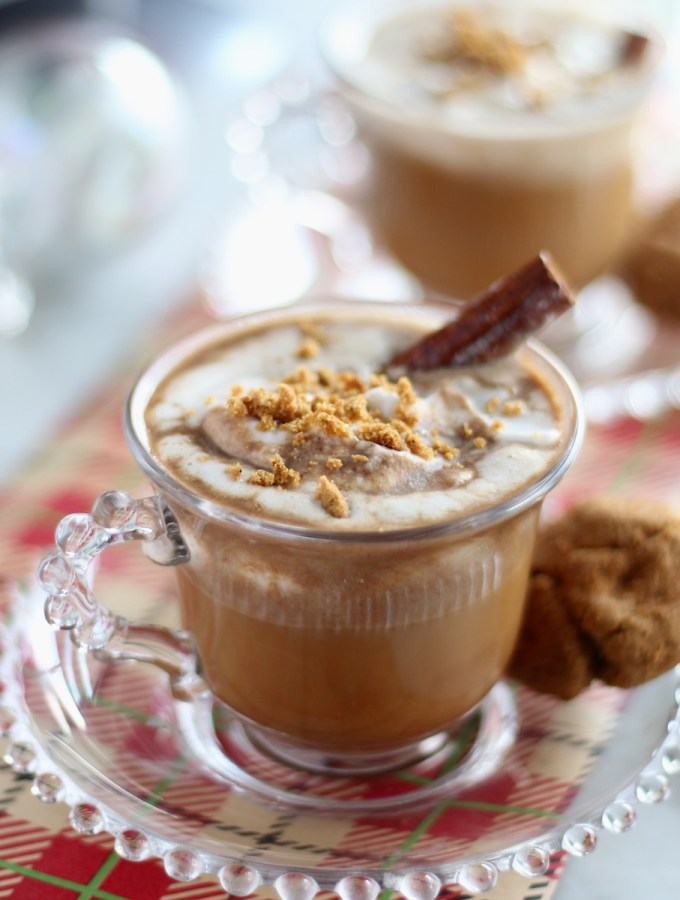 Paleo Gingerbread Lattes - a creamy, dairy-free latte featuring all the flavors of gingerbread, plus topped with coconut whip and gingerbread cookie crumbs! | fedandfulfilled.com