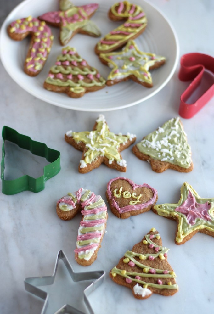 Frosted Cut-Out Sugar Cookies (AIP, Paleo, Vegan) - these delicious sugar cookies are frosted using natural food powders and are perfect for Christmas or any special occasion! | fedandfulfilled.com