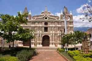 Santa Fe de Antioquia, Iglesia