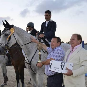 Mikel Velasco, ganador del Gran Premio Ayuntamiento de Laredo.