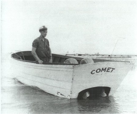 comet_boat