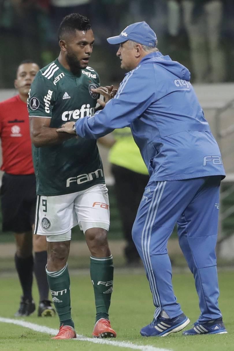 Brazil Chile Soccer Copa Libertadores 57694 - Scolari inspiring Palmeiras and leaving 7-1 behind