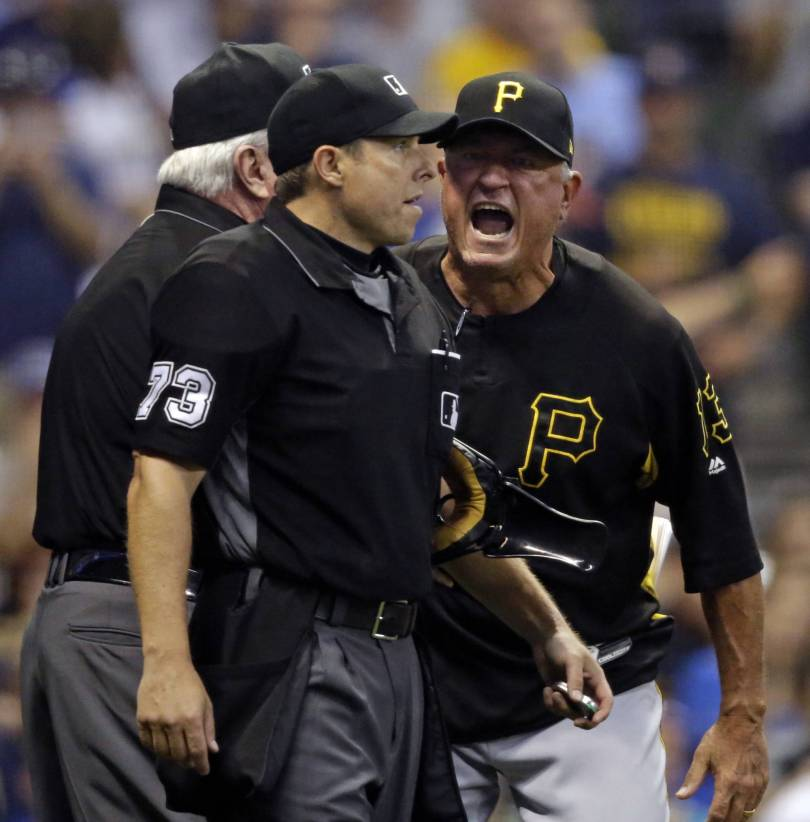 APTOPIX Pirates Brewers Baseball 29837 - Brewers now 2 1/2 games behind Cubs with 3-1 loss to Pirates