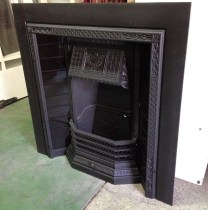 Having trouble choosing fireplace tiles to match your décor? Try gloss black