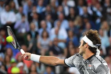 Federer Advances to 41st Grand Slam Semifinal
