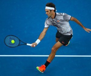 Federer Defeats Nishikori in Five Sets at Australian Open