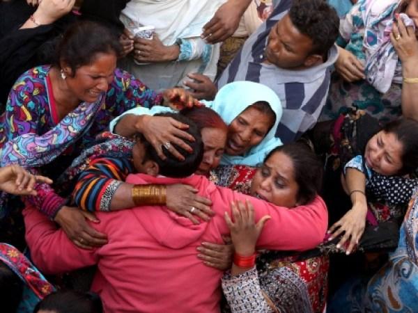 pakistan-suicide-bomb-blast-aftermath-lahore