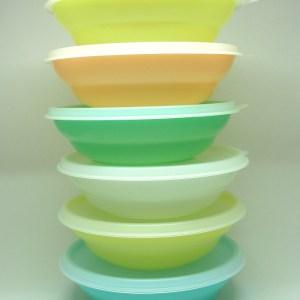 Assiettes Tupperware pastel