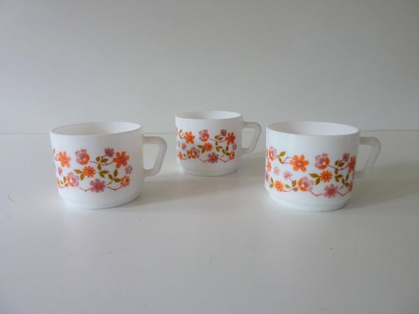 tasses scania arcopal fleurs orange vintage
