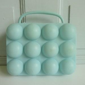 Boite à œufs bleu pastel