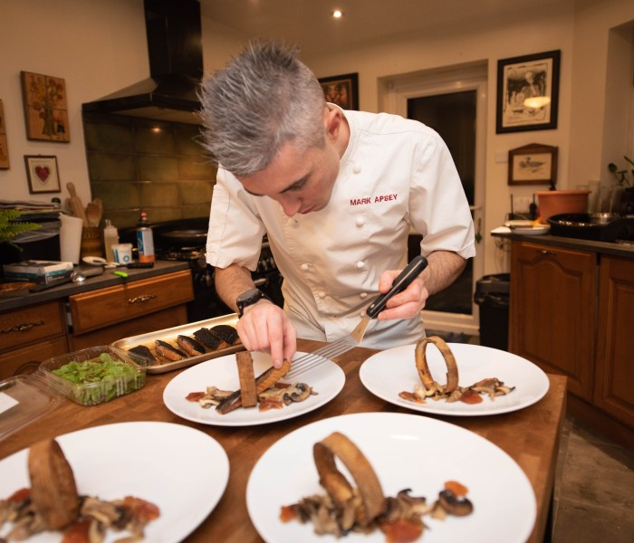 La Belle Assiette; Reading