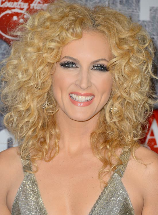 21 Hairstyles For Girls With Curly Hair Feed Inspiration
