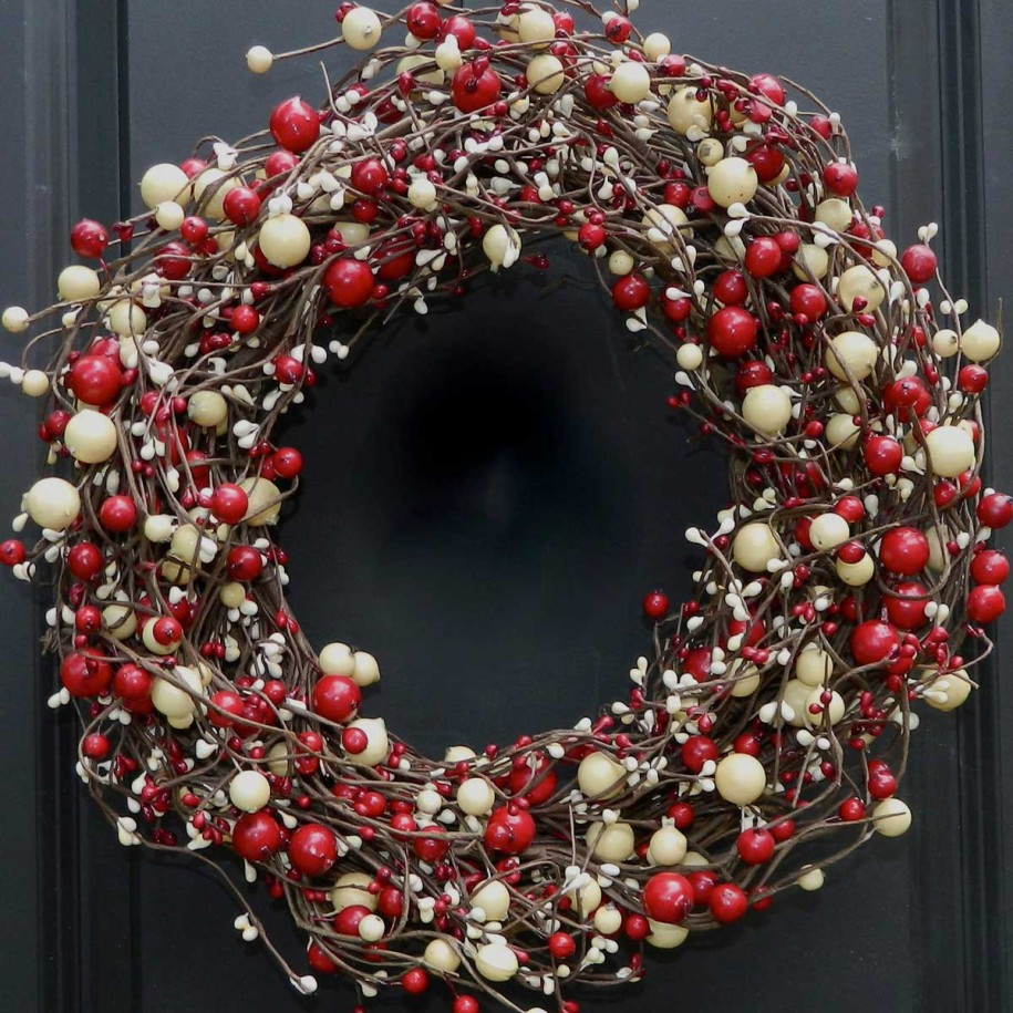 30 Christmas Wreaths Decorating Ideas To Try Now   Feed Inspiration 30 Christmas Wreaths Decorating Ideas To Try Now