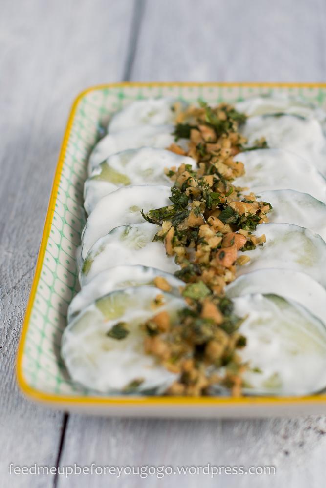 Kartoffel-Bärlauch-Paratha und Gurkensalat mit Kräuter-Nuss-Gremolata Rezept-2