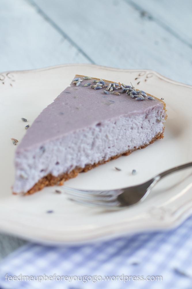 Lavendel-Cheesecake mit weißer Schokolade Rezept Feed me up before you go-go-3