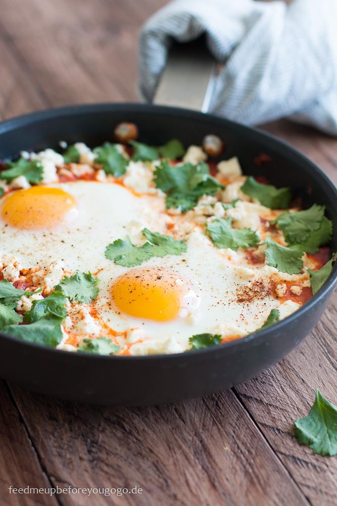 Shakshuka mit Feta und Koriander israelisches Frühstück Rezept Feed me up before you go-go-2