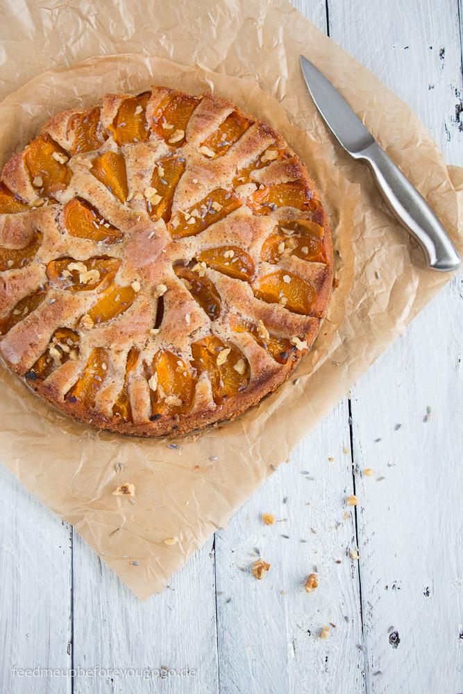 Aprikosen-Lavendel-Kuchen mit Walnüssen Rezept Ottolenghi Feed me up before you go-go