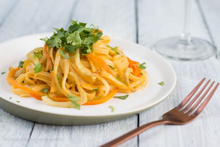 Pasta in Orangensauce mit Fenchel und Möhren aus dem Ofen Rezept