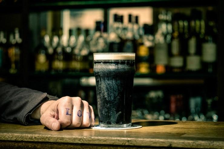 Bier auf Theke Foto: Oliver Wendel