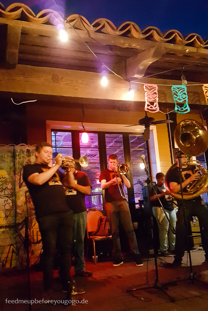 3 Tage in New Orleans City of Trees Brass Band Frenchmen Street