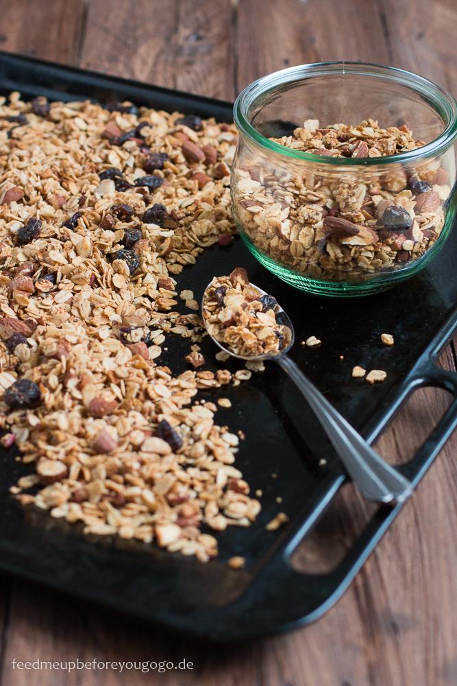 Bratapfel-Granola mit winterlichen Gewürzen Rezept