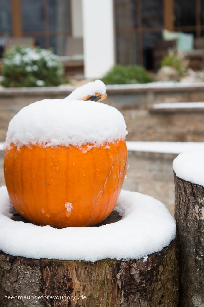 Berghotel Rehlegg Ramsau Kürbis mit Schneedecke Winter im Berchtesgadener Land