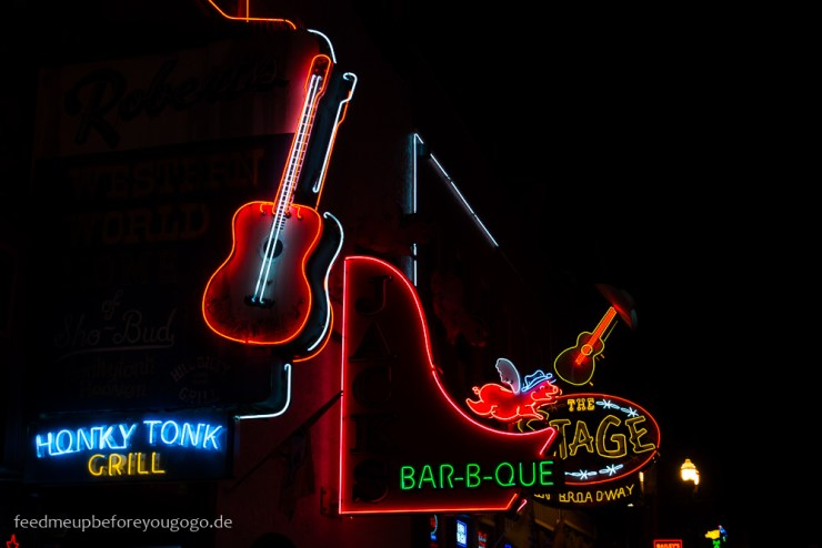 Broadway Honky Tonk Bars Nashville Tennesse Reisetipps Feed me up before you go-go
