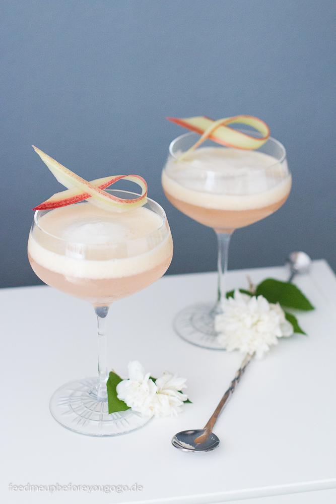 Rhubarb Sour Gin-Cocktail mit Rhabarber und Sipsmith Rezept