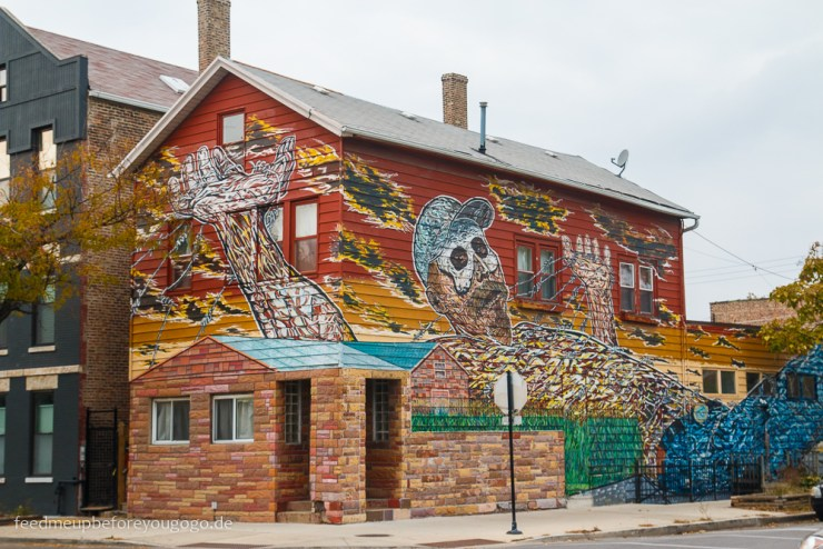 Chicago Mural in Pilsen Hector Duarte Gulliver in Wonderland
