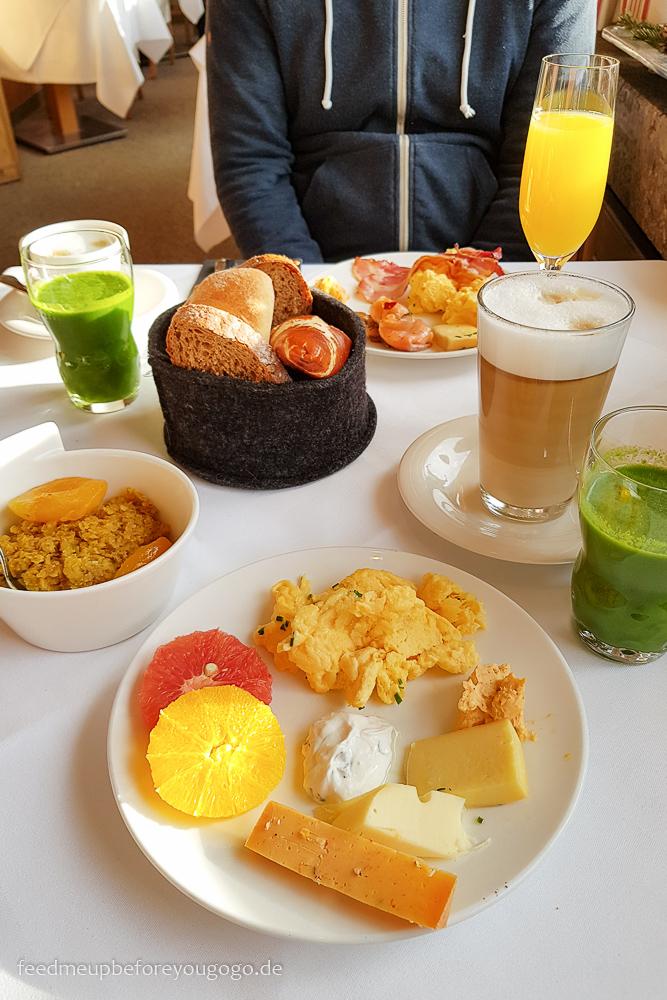 Hotel Staudacherhof Garmisch-Partenkirchen Restaurant Frühstück