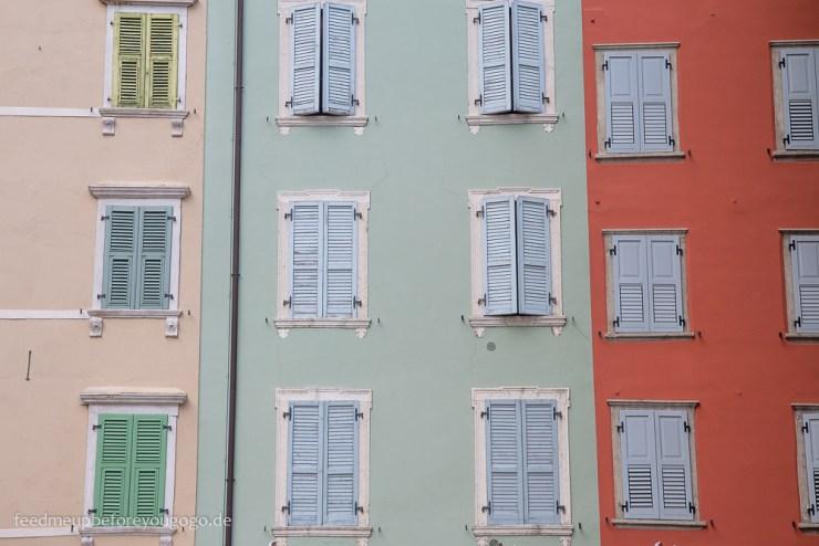 Reisetipps für den Gardasee: Riva del Garda Hausfassade Altstadt