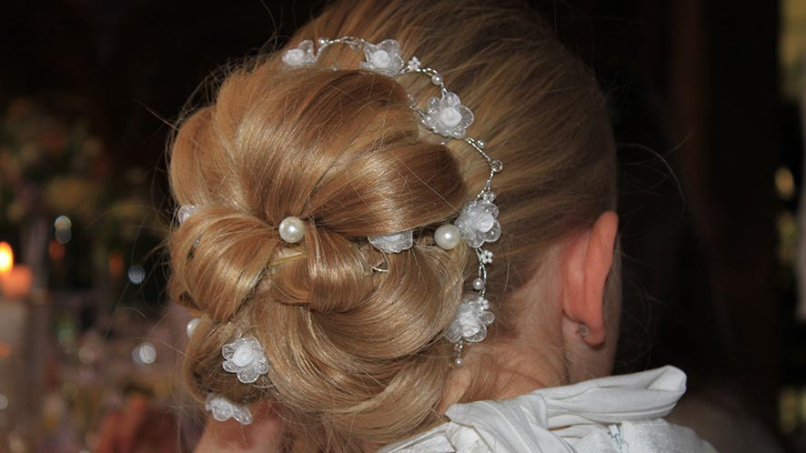 4 Quick and Easy Updo Ideas For Curly Hair