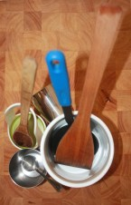 Used utensils in Spoon and Ladle Rest