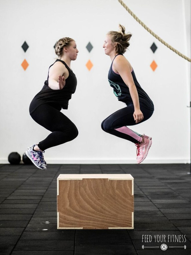CrossFit Bloggertreffen von FEED YOUR FITNESS Team Box Jumps
