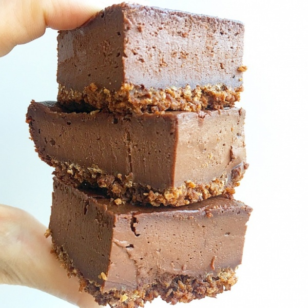 Vegan Chocolate Cheesecake Bars