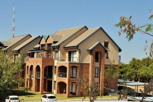 Hilltop Lofts 36 Fully Furnished Bachelor Loft Apartment To Let in Midrand