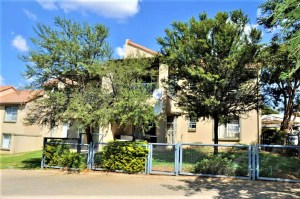 The Village 123 Ground Floor 2-Bedroom Apartment To Let in Leeuwenhof Estate Hazeldean Silver Lakes Area Pretoria East