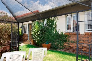 Nossob Park No 10 is a 3-Bedroom Townhouse To Let in Erasmuskloof Pretoria by Feel-at-Home Properties