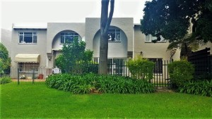 Valley Mews No 3 Fully Furnished 3- Bedroom Townhouse To Let in Faerie Glen Pretoria East by Feel-at-Home Properties