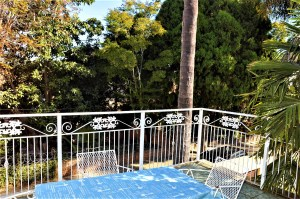 The Palms Farmers Folly 27C is a 1-Bedroom Fully Furnished Apartment To Let in Lynwood Pretoria East by Feel-at-Home Properties