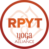 professeur de Yoga prénatal certifié Yoga Alliance