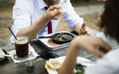 éviter la fatigue après le repas