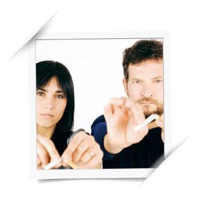 Image montrant deux personnes décidés à arrêter de fumer