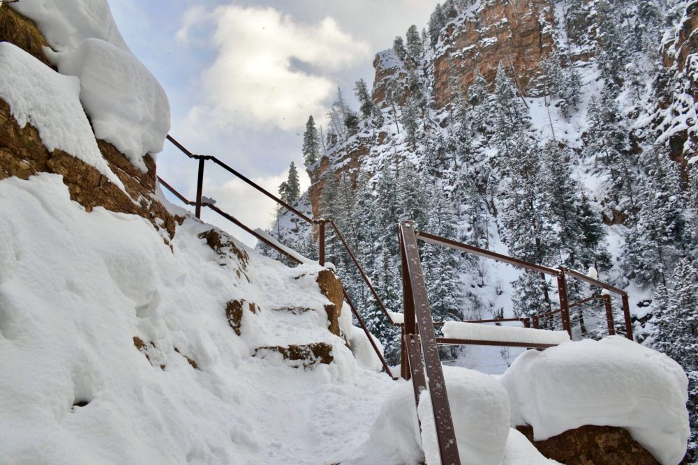 Handrails at the end of Hanging Lake trail