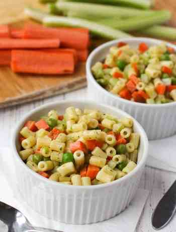 Vegetarian Macaroni Salad Recipe that's a lunchbox favorite for the kids! It's light, tasty and full of vegetables like carrots, celery and peas