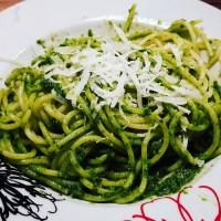 Juhu, Bärlauchzeit: Spaghetti mit selbstgemachtem Bärlauchpesto