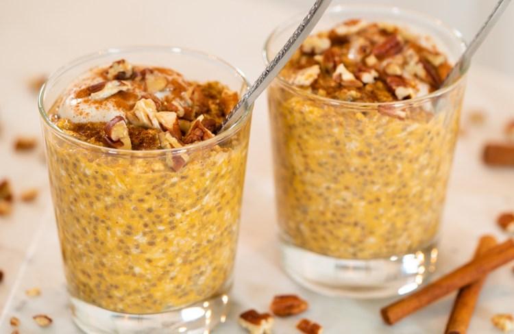 PUMPKIN SPICE OVERNIGHT OATS | healthy Fall breakfast