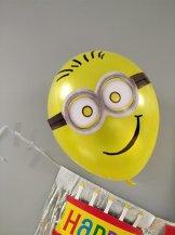 minion birthday balloon yellow DIY