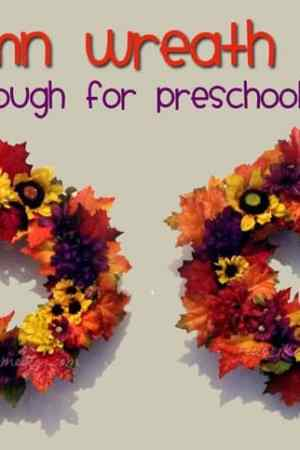 Autumn Wreath Craft for Kids (It's easy enough for preschoolers, too!)