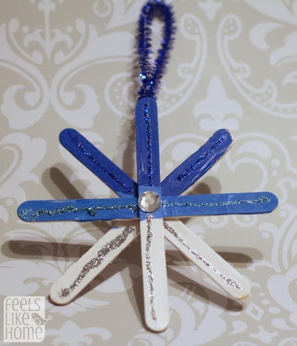 popsicle-stick-snowflake-ornaments-preschoolers-grace-ombre-blue